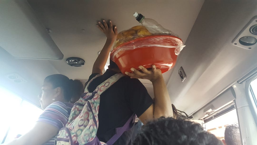 Nicaraguan-man-selling-homemade-food-on-autobus-from-leon-to-granada
