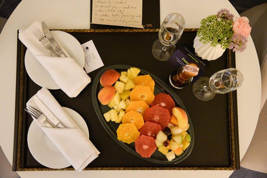 wroclaw-doubletree-by-hilton-fruit-platter
