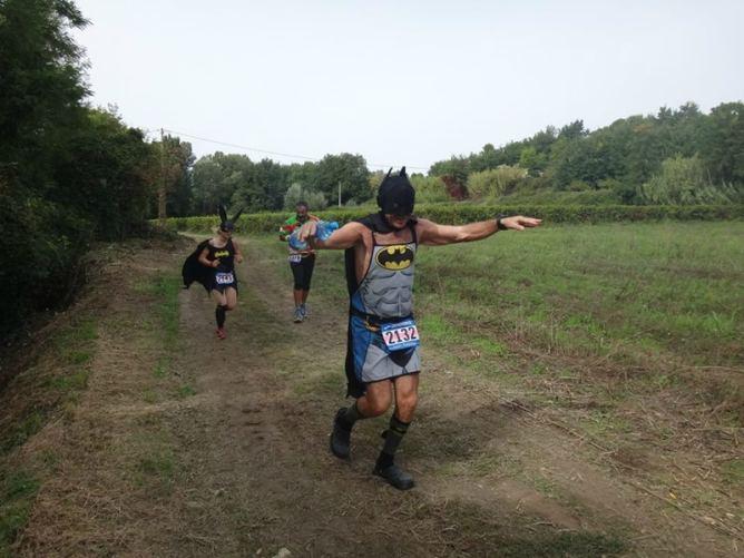 Crocs Man au marathon du Luberon 2015