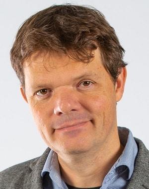 Raymond van Driel is associate bij COURIUS en ondersteunt met tema- en leiderschapsontwikkeling