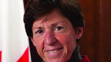 Photo of Mot d'accueil de la consule du Canada, Louise Léger, aux nouveaux arrivants