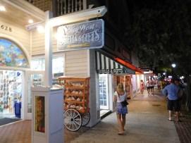 Ambiance nocturne syr Duval Street à Key West - Floride