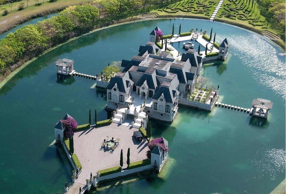 """Miami : un château """"français"""" démesuré"""