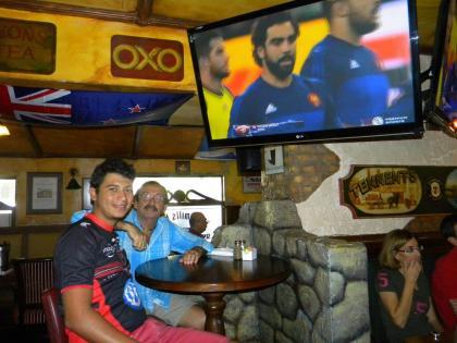Coupe du monde de rugby à Waxy's Fort Lauderdale (photo Diane Ledoux - Courrier de Floride)
