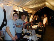 Les volontaires de FIPA à la soirée Wine & Cheese de FIPA et des parents d'élèves de Miami