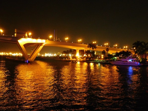 Les rivières de Fort Lauderdale de nuit