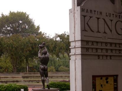 auburn-statue