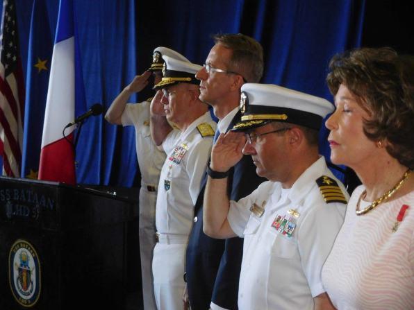 Remises de Légions D'Honneur sur L'USS Bataan à Fot Lauderdale