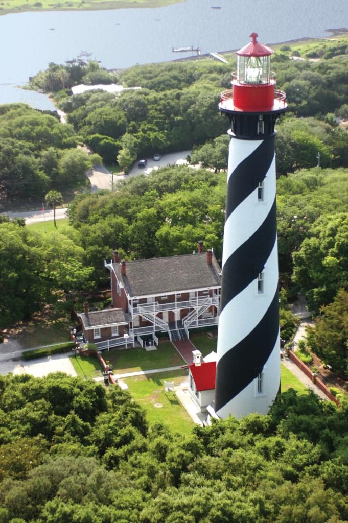 Le phare de Saint-Augustine et le « Maritime Museum » racontent l'histoire du plus ancien port de la nation. (Crédit photo : Image fournie par FloridasHistoricCoast.com)