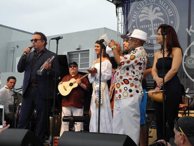 L'an passé c'et le comédien Andy Garcia qui était le roi de CarnavalMiami !
