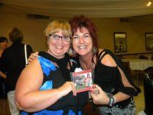 Brigitte Leblanc et une fan.