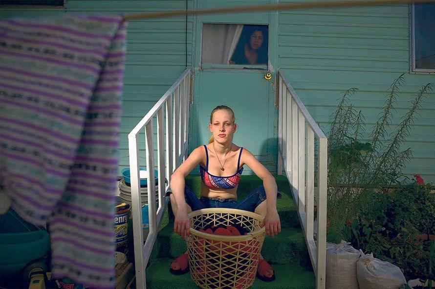 la vie des résidents de Brookside Park, qui est un parc de maisons mobiles à Sonoma, Californie.
