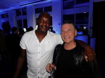 Wagneau Eloi (foootballeur pro à Lens puis Moncao) et Serge Massat (expert comptable à Miami) lors du Bastille Day du consul général de France à Miami, Clément Leclerc.