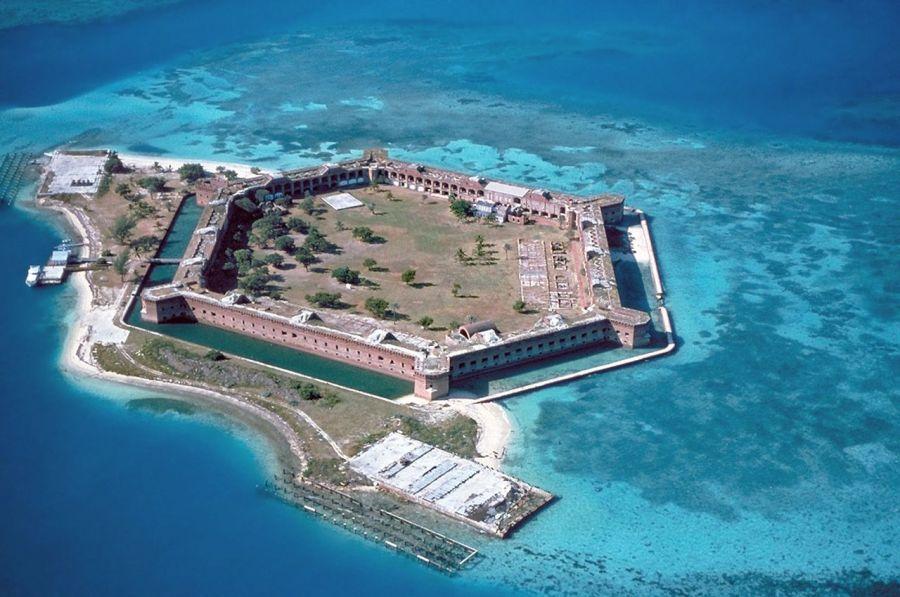 Fort et île de Fort Jefferson dans l'archipel des Dry Tortugas (Keys de Floride)