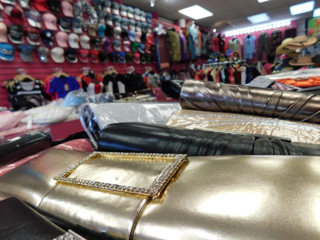 Chaussures, vêtements et accessoires à pas cher : le magasin de toutes les aubaines à Deerfield Beach !