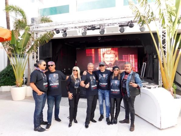 Hommage des bikers de Miami à Johnny Hallyday.
