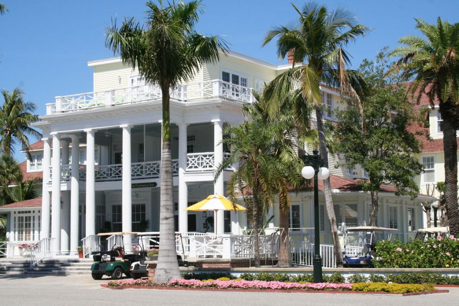 Le Gaspilla Inn & Club