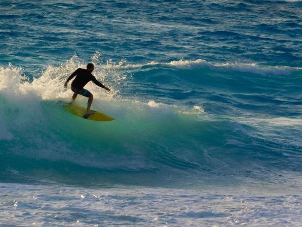 Surf sur la Plage de Cancun Mexique