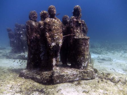 Musée d'art sous-marin de Cancun à Isla Mujeres.