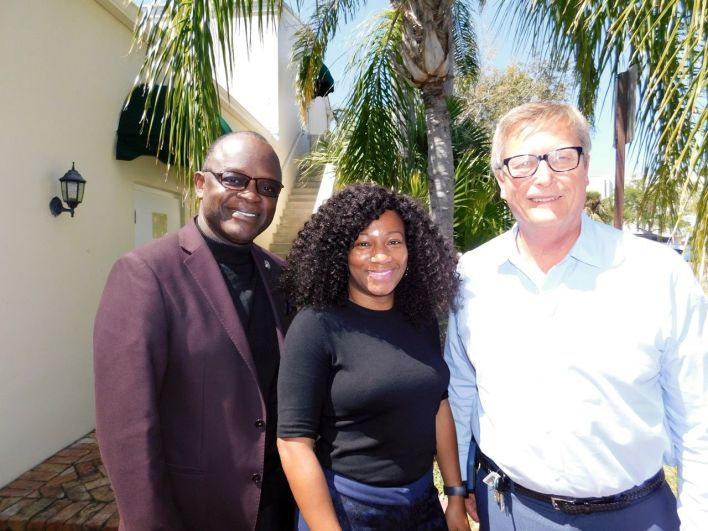 Dr. Ted Greer Jr, Sheneka Spencer et Pery Canan, de l'association Hope South Florida