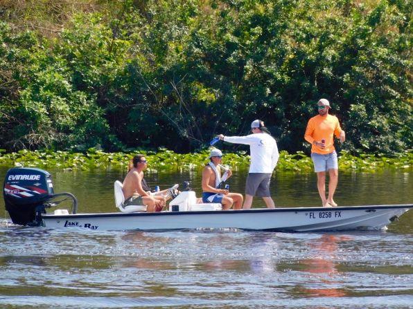 Fête sur la Caloosahatchee River à La Belle, en Floride