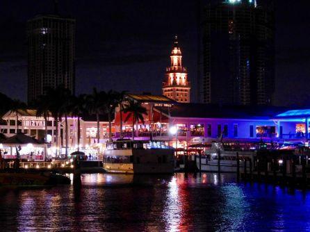 Miami au coucher du soleil, depuis la baie de Biscayne (entre Miami et Miami Beach)