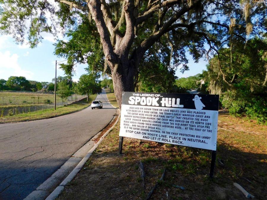 """Spook Hill : """"la colline effrayante"""" (à Lake Wales en Floride)"""