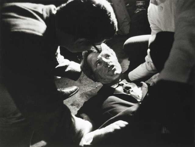 """Le dernier regard de Bobby """"RFK"""" Kennedy le 5 juin 1968."""