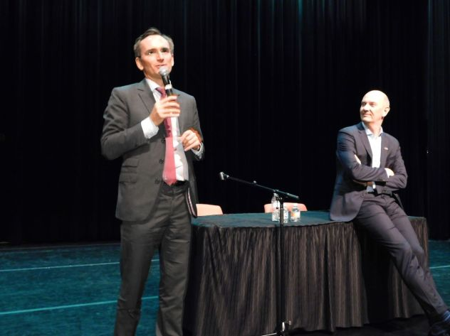 Le consul de France Clément Leclerc durant la visite du député Roland Lescure à Miami.