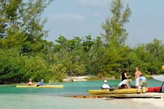 Bahamas Grand Bahama - Lucayan National Park - Kayak