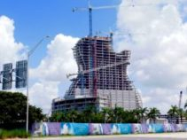 Hotel en forme de guitare du Seminole Hard Rock Casino de Hollywood en Floride