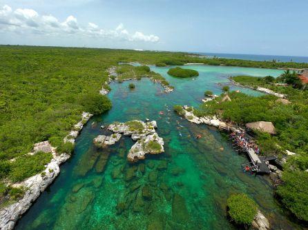 Cenote et lagon Yal-Ku à Akumal au Mexique
