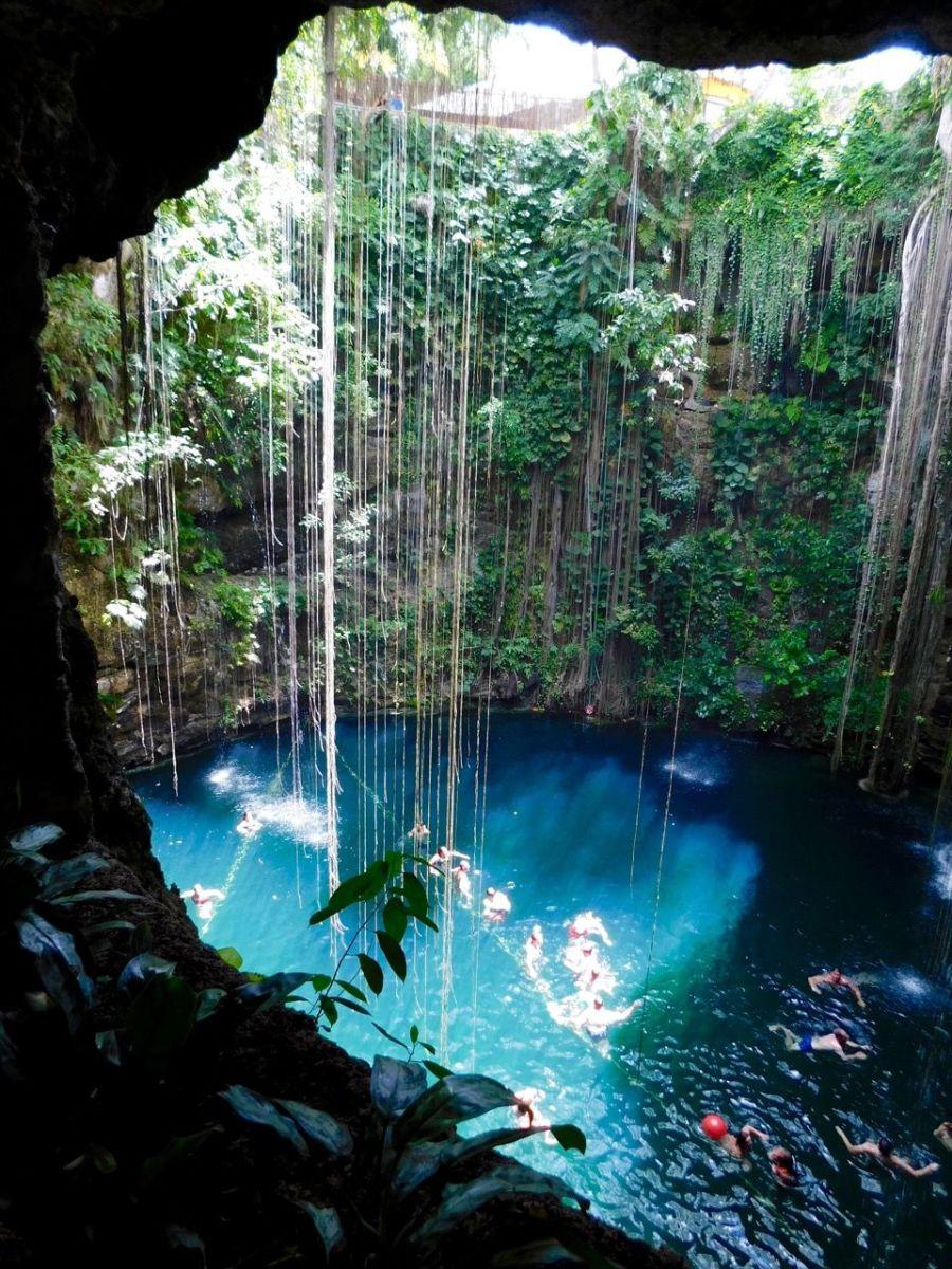 Le cenote Ik Kil à Chichen Itza