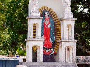 Cimetière de Chemax (dans le Yucatan au Mexique)