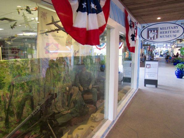 Military Heritage Museum, dans le Fishermen's Village (Quartier historique de Punta Gorda, en Floride)