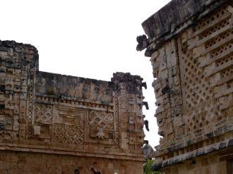 Le quadrilatère des Nonnes à Uxmal