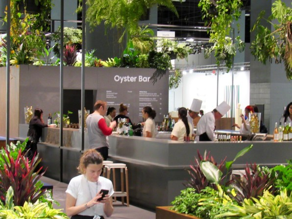 Le Miami Beach Convention Center, là où se déroule entre autres la voir d'art contemporain Art Basel Miami Beach