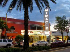 Le Miracle Theater sur Miracle Mile, l'artère centrale de Coral Gables, à Miami