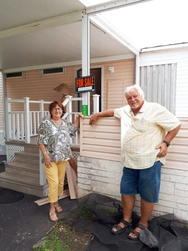 Guy et Madeleine Tremblay, peu de temps avant de quitter Pine Isles