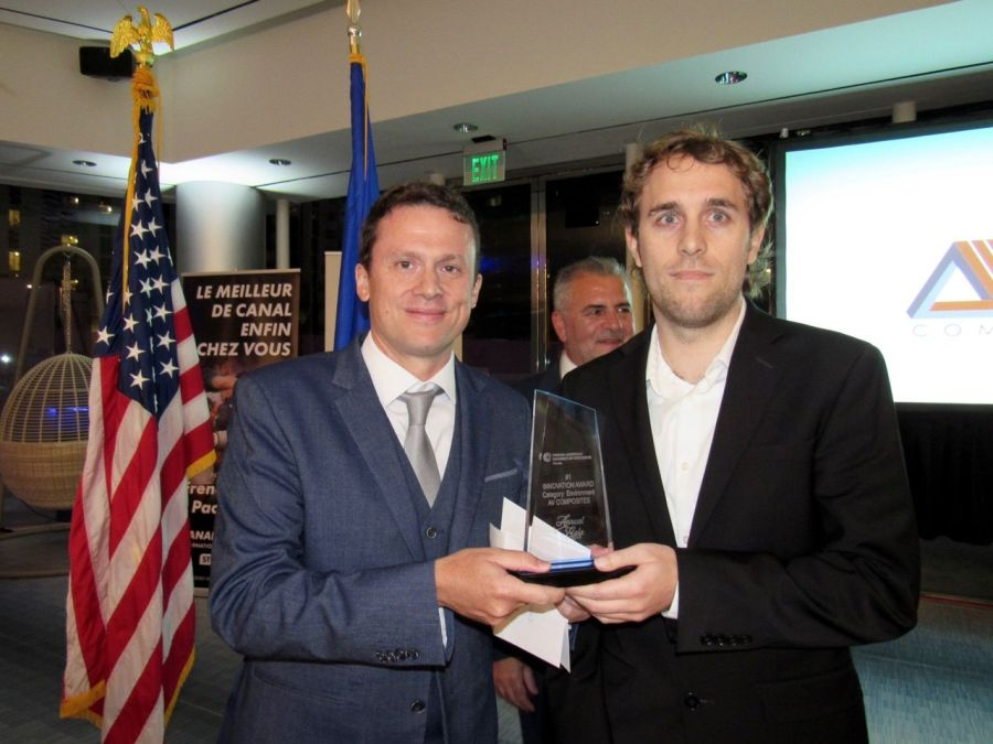 Olivier Sureau (Fiducial Jade) remet l'award à Romain Aprin (AV Composite)
