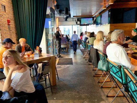 Le Restaurant Meeting at Market de Charleston