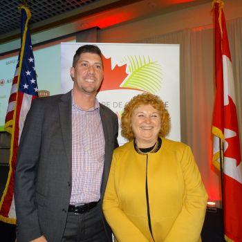 Michael Côté (Natbank) Susan Harper (consule générale du Canada) lors du gala des 10 ans de la Chambre de commerce Canada-Floride