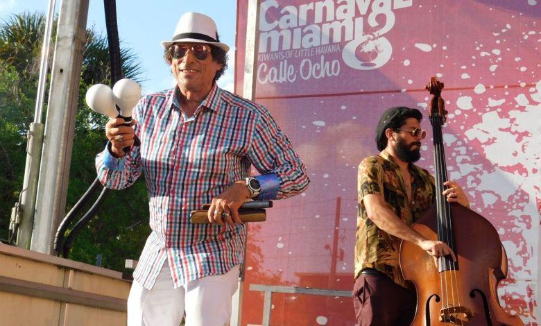 Groupe cubain durant le Carnaval Miami