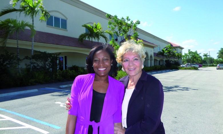 Dr Jacqueline Hoy (directrice) et Anaïde Govaert (présidente) du Lycée Franco-Américain de Cooper City.