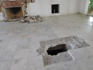 """Des trous ont déjà été creusés dans la maison et le jardin de """"Don Pablo""""."""