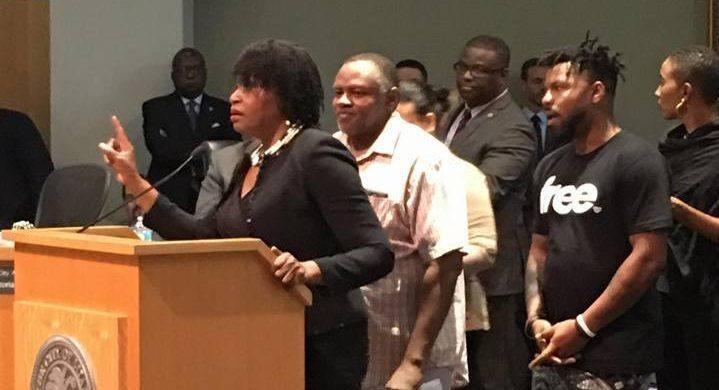 Marleine Bastien, l'une des plus actives militantes de la communauté haïtienne, a demandé que le Cultural Center soit désormais un centre communautaire.