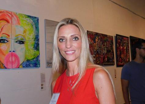 La peintre Regina Schneider / Soirée Made in France Exhibit 2016 à Miami.