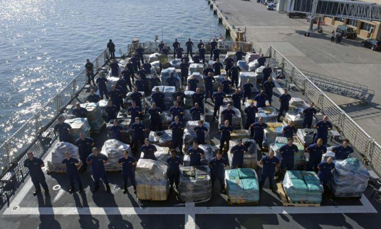 Le garde-côte Hamilton a déchargé les 26,5 tonnes saisies à Port Everglades. (Crédit : USCG image)