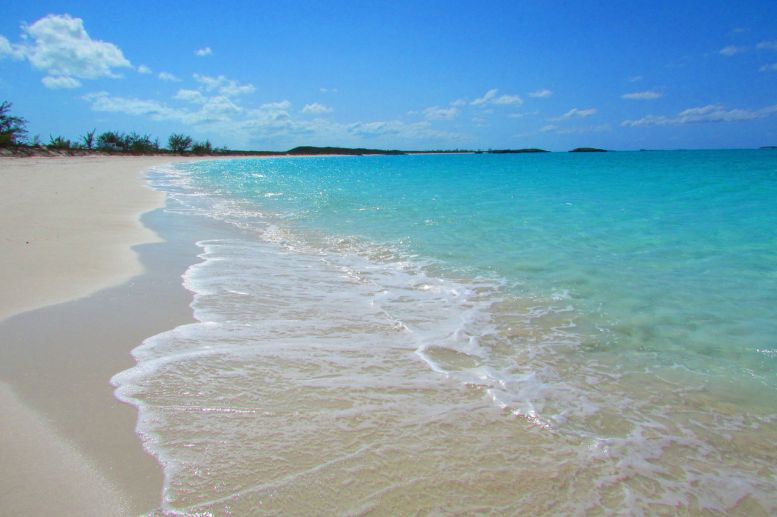Bahamas Little Exuma Tropic Cancer Beach