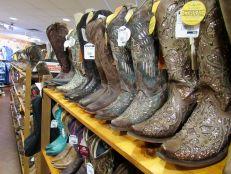 Botas en la tienda Grifs cowboy/western en Davie, Florida.